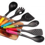 6 utensilios de cocina con mango de colores todo a 10